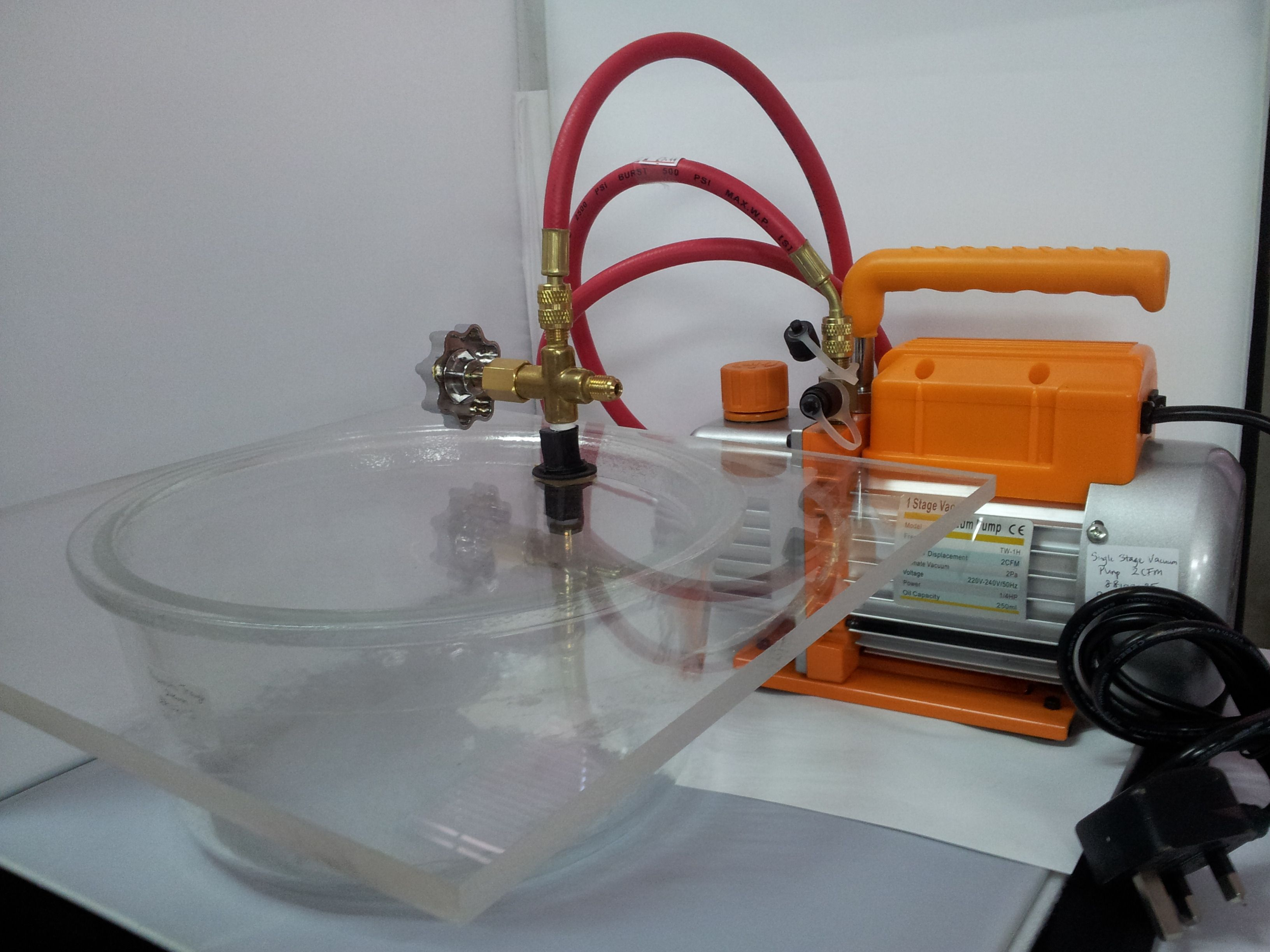 Strong Vacuum Degassing Of Casting Resin In Jewellery And