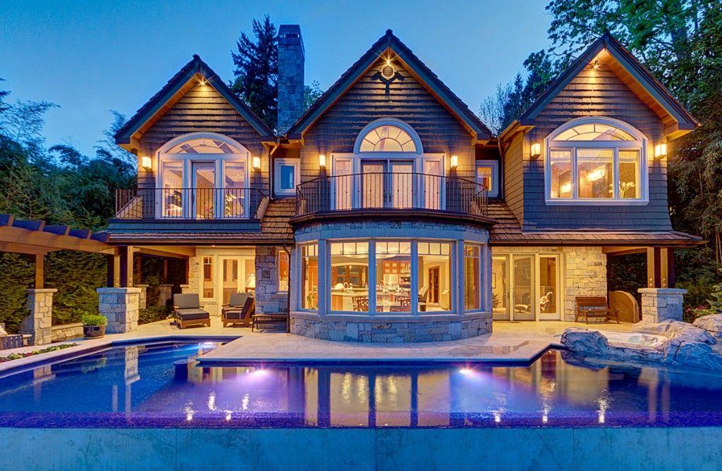 Waterfront estate on Mercer Island, Washington