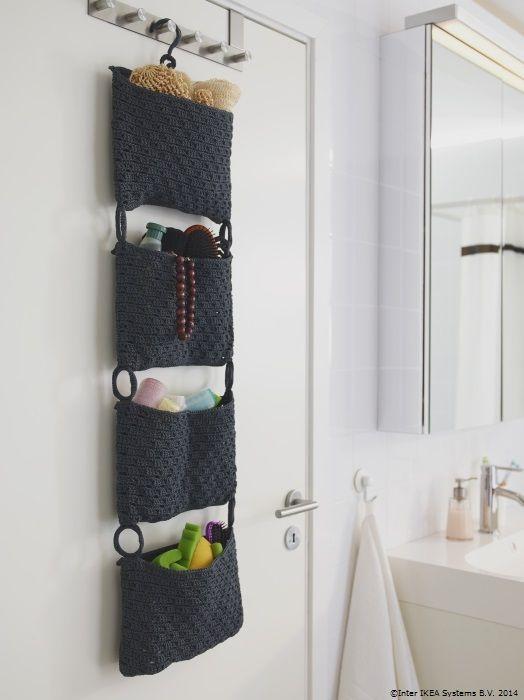 Organizează accesoriile în suportul NORDRANA ca să ai mai mult loc în baie. www.IKEA.ro/decoratiune_NORDRANA