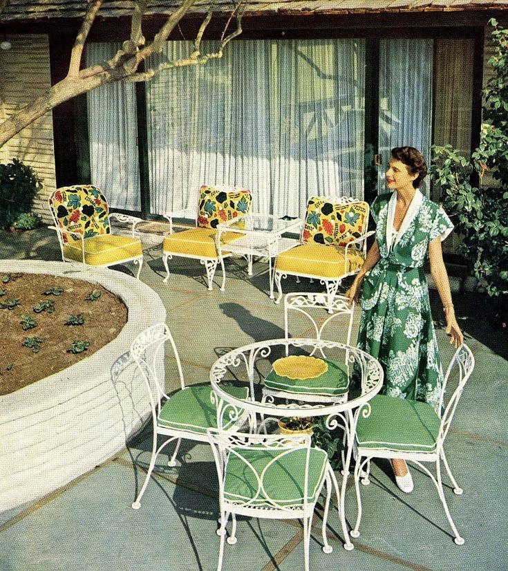 1950s 1960s Patio Furniture For The Vintage Styled Home Mid Century Modern 1950s 1950sfashio Vintage Patio Furniture Vintage Patio Vintage Outdoor Furniture