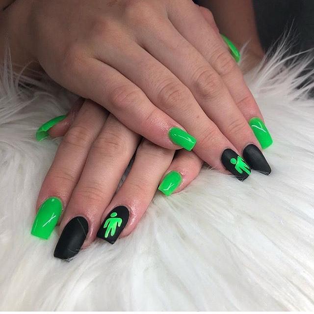 Billie Eilish Nails Buscar Con Google Grunge Nails Cure Nails Glow Nails