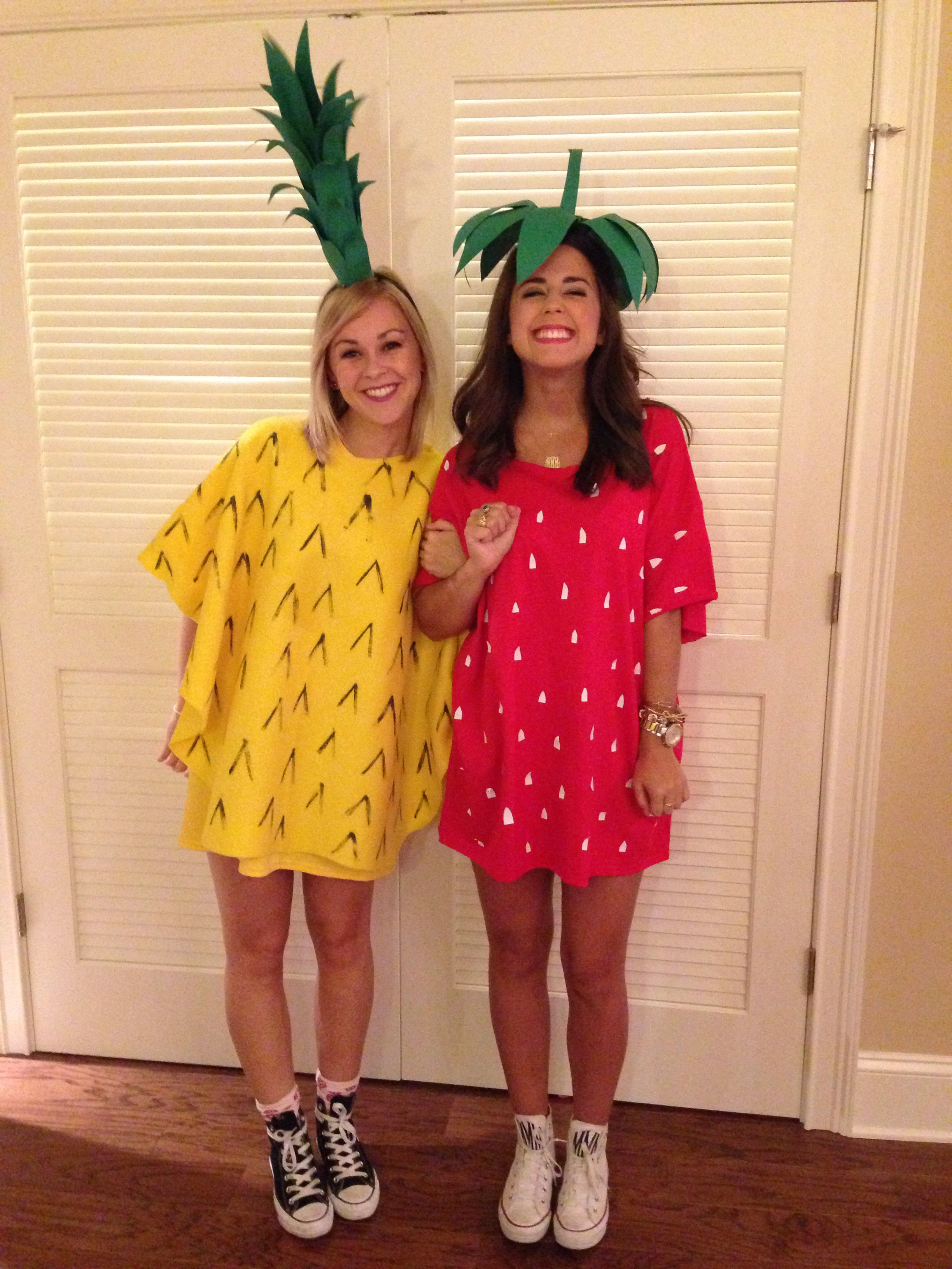 Quatang Gallery- Instagram Madsfo7 Mmmcbride Diy Pineapple And Strawberry Costume Cute Halloween Costumes Diy Halloween Costumes For Women Halloween Costumes To Make
