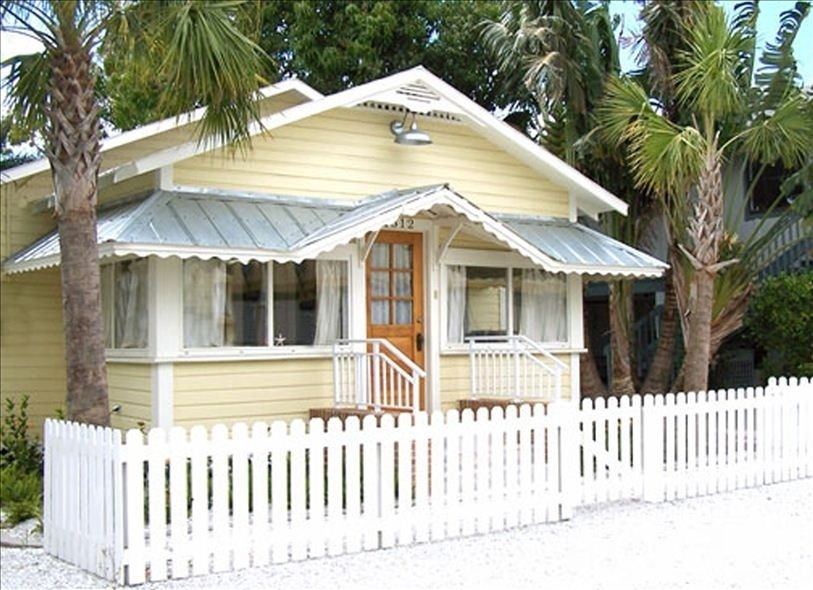 Historic Fisherman S Cottage Vacation Homeaway Cortez Florida Cottage Tiny Beach House Beach Cottage Style