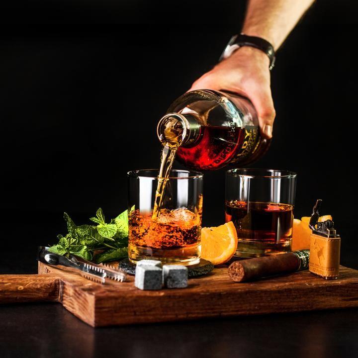 Whiskey Glasses & Stones Gift Set, Rocks Chilling Stones