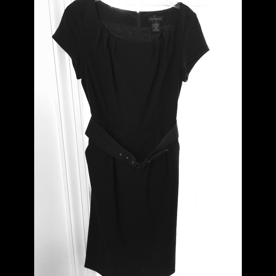 Nwot Gorgeous Belted Office Wear With Pockets!