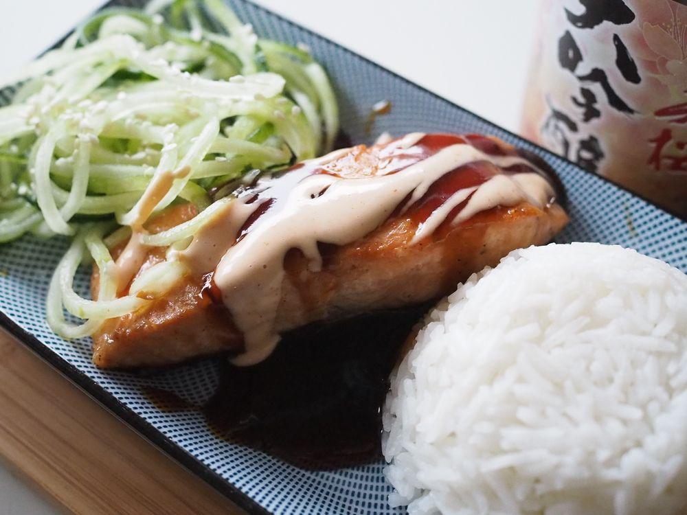 Makuja kotoa: Teriyaki-lohi Sriracha-majoneesilla