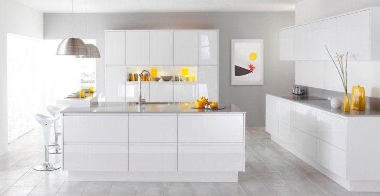 Cuisine blanc laqué minimaliste Plan de travail gris clair (assorti