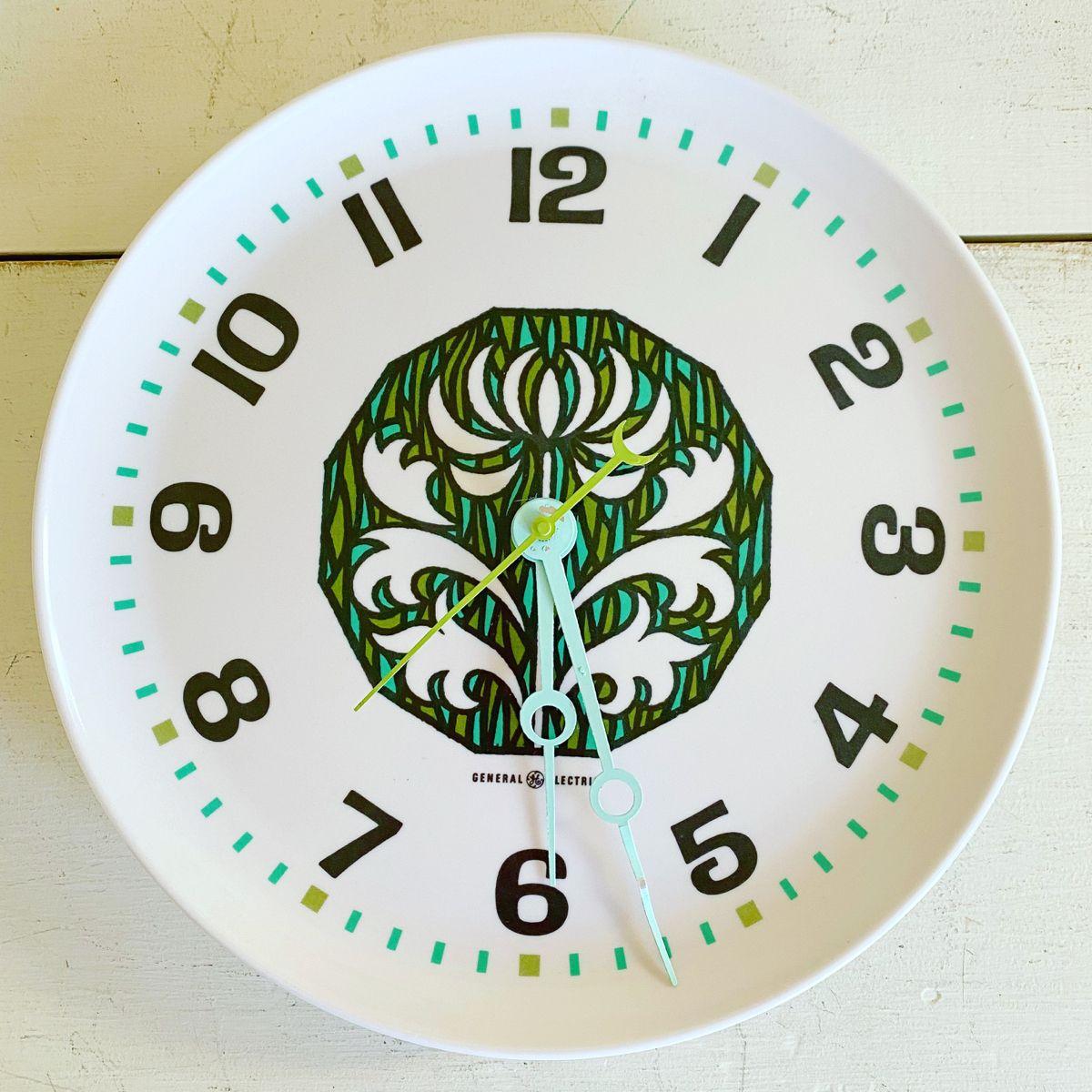 Vintage Wall Clock Ge Melamine Plate General Electric Etsy In 2020 Vintage Wall Clock Vintage Clock Melamine Plates