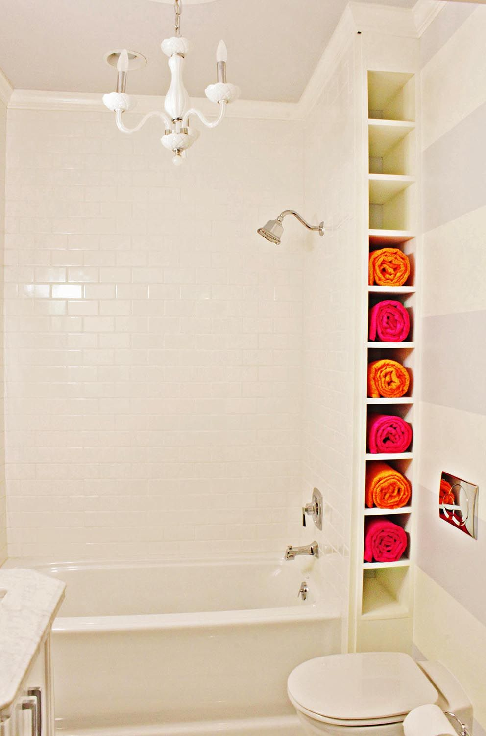 Making a small bathroom: design, layout, photo. If towel shelves ...
