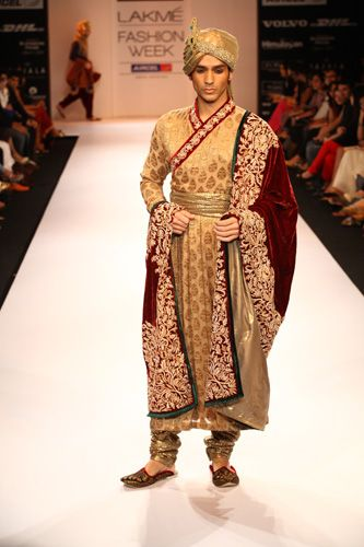 dfc4ac3fd Lakmé Fashion Week Winter Festive 2012 Shyamal Homens Indianos