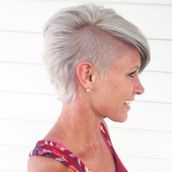 pixie cut mit halb rasiert kurze haare pinterest rasieren halb rasiert und haare kurz. Black Bedroom Furniture Sets. Home Design Ideas