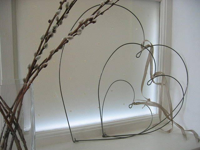 metal wire hearts