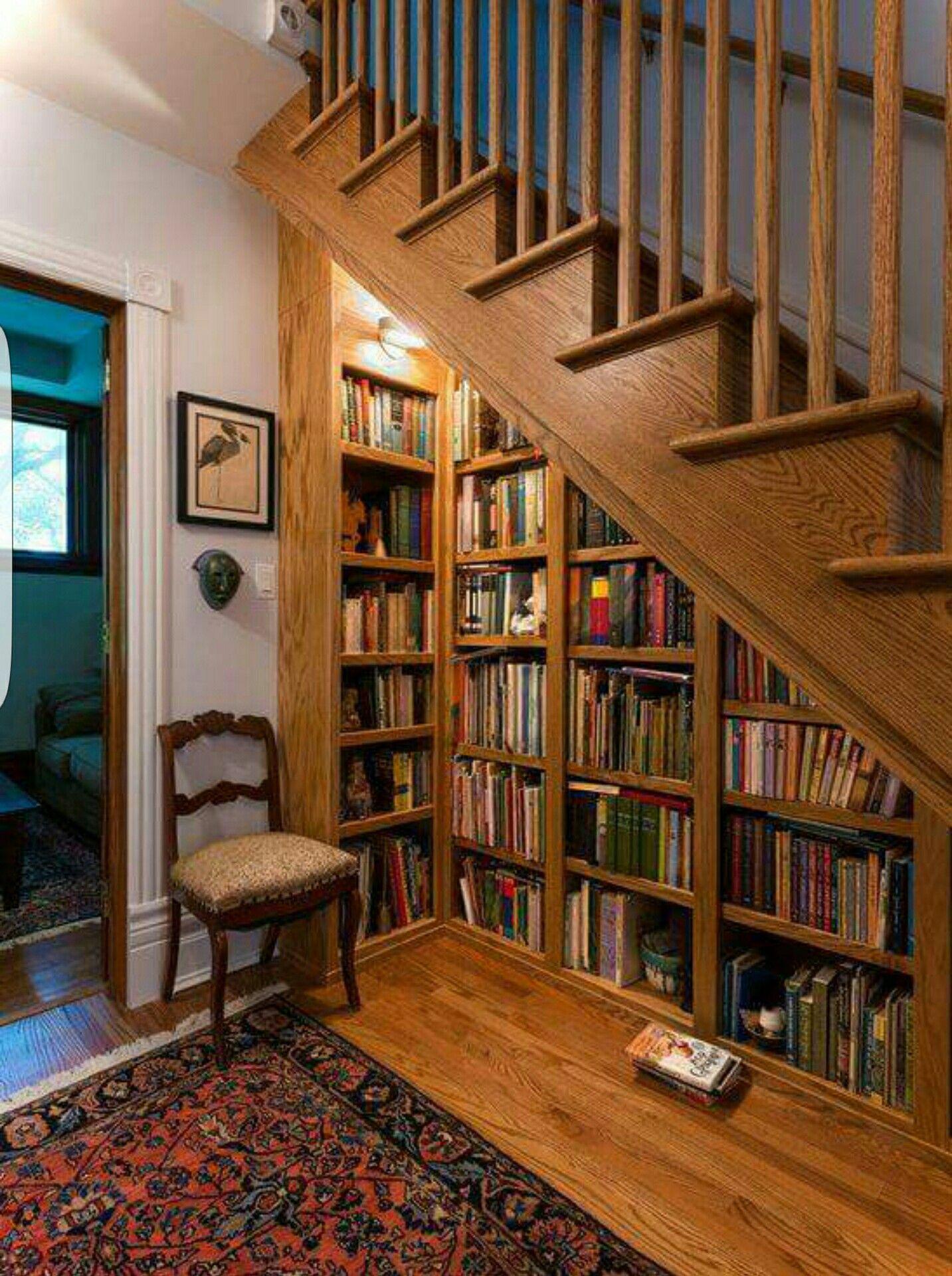 Understairs bookshelf | schody do domu | Pinterest | Haus innenräume ...