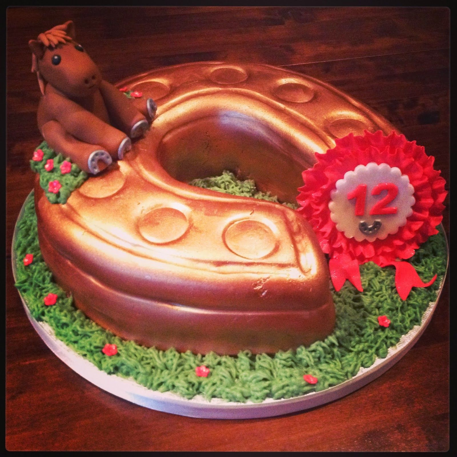 Image Result For Horseshoe Cake Ideas Wilton Pan With Images