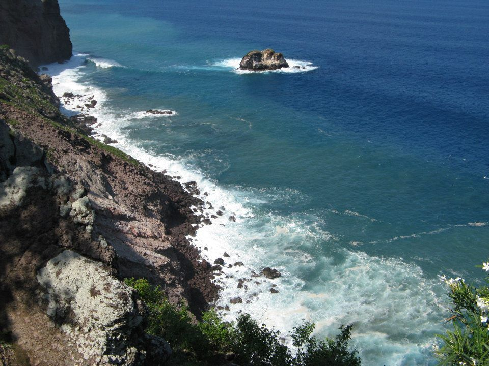 Rough waters on Saba, Dutch Caribbean  #Saba #Caribbean #coast