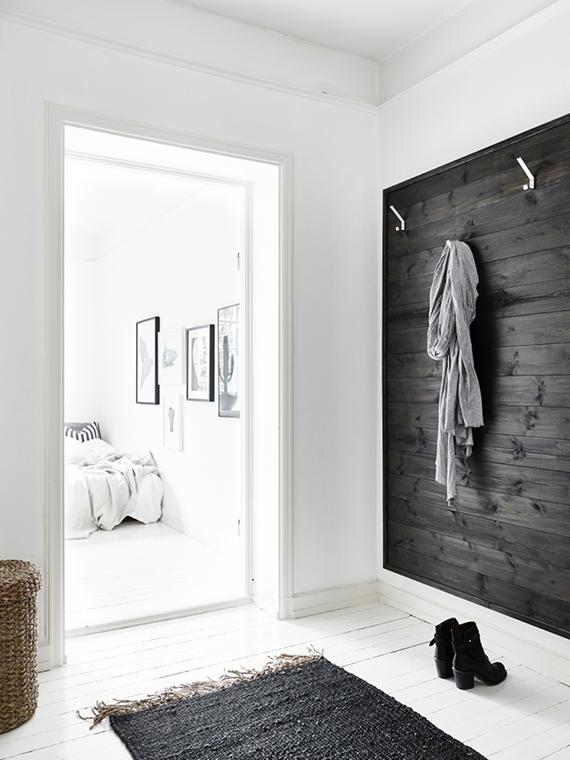 Scandinavian inspired entryway | Stadshem