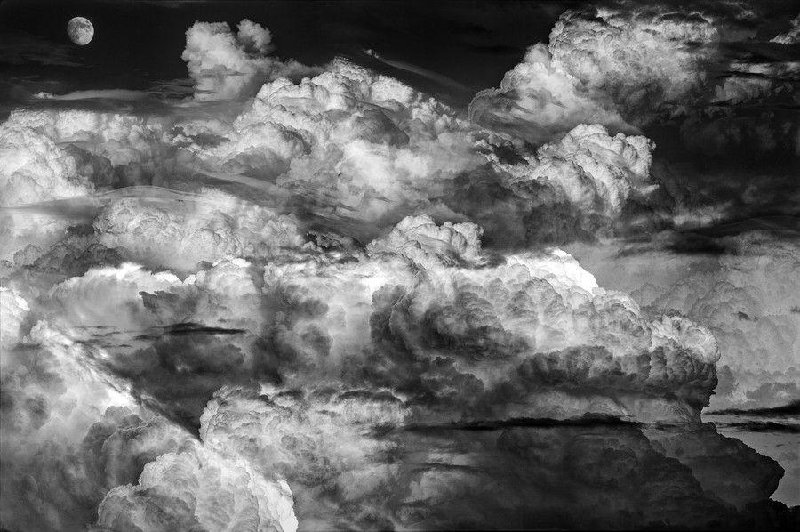 Por las nubes by Luis Mariano González on 500px