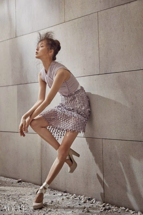 Photography Poses : Ballet Fairy: Kim Bo Sung in Vogue Korea February 2015 | The Terrier and Lobst... - Dear Art | Leading Art & Culture Magazine & Database