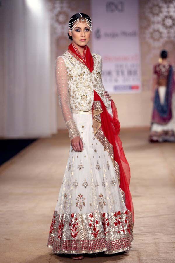 Indian Fashion Designer Anju Modi Indian Fashion Designers Indian Fashion Evening Dress Fashion