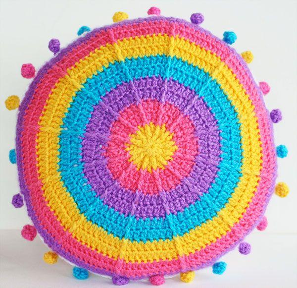 Carnivale Cushion: Crochet-Along Part 1 | My Poppet Makes | Crochet pillow  pattern, Crochet cushion cover, Crochet rug