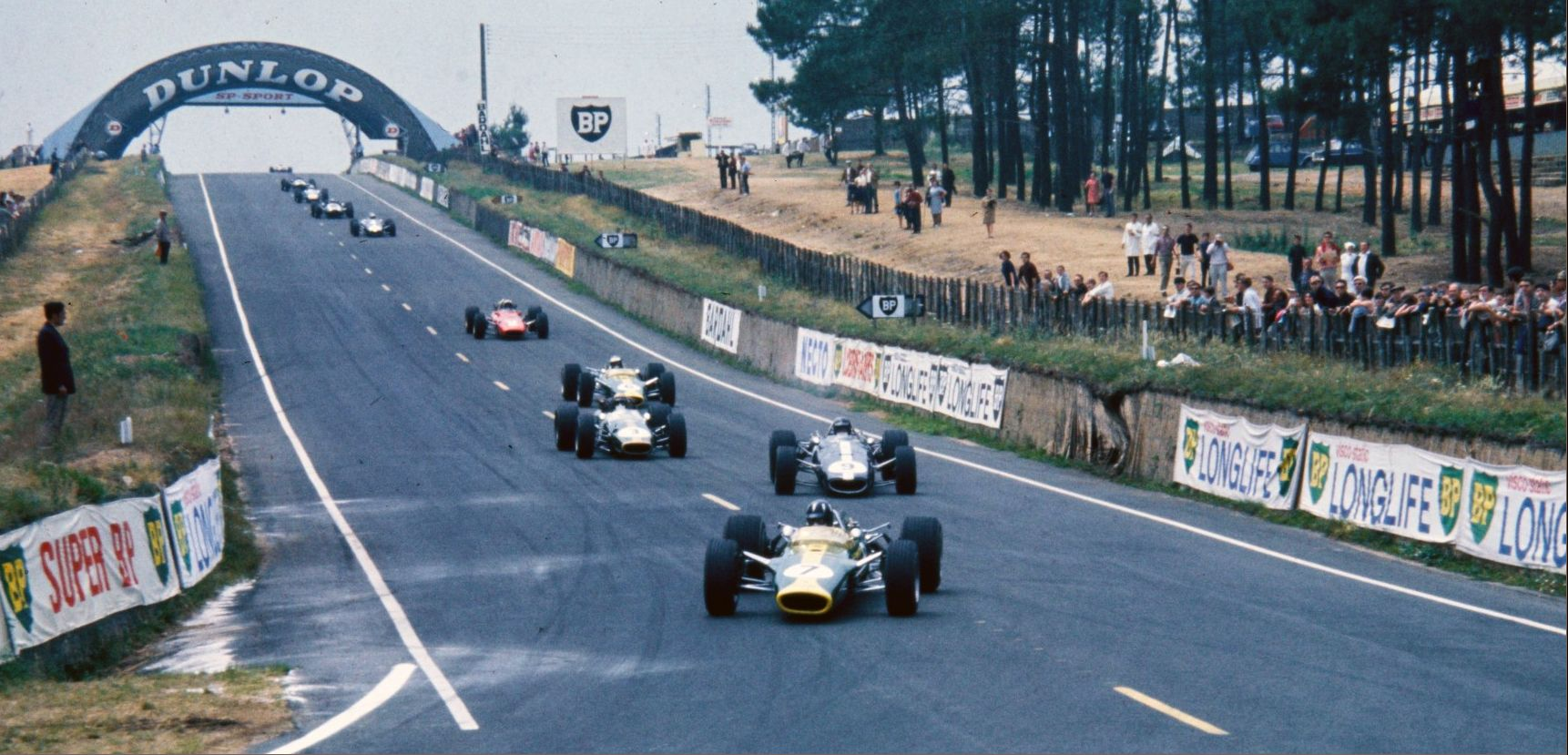 1967, Le Mans Bugatti, French GP, Graham Hill (Lotus-Ford type 49 ...