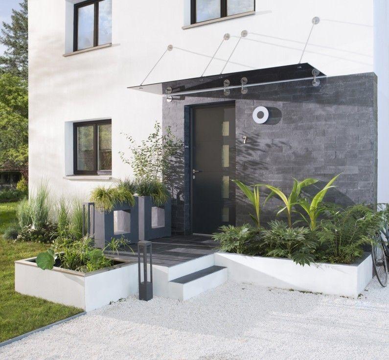 Entree exterieur   Abords Blanc   Beige   Naturel Gris   Argent - modeles de maison a construire