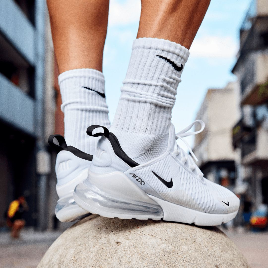 wholesale dealer ae6a0 fa87a Nike Air Max 270 Men s Shoe Size 7 (White)