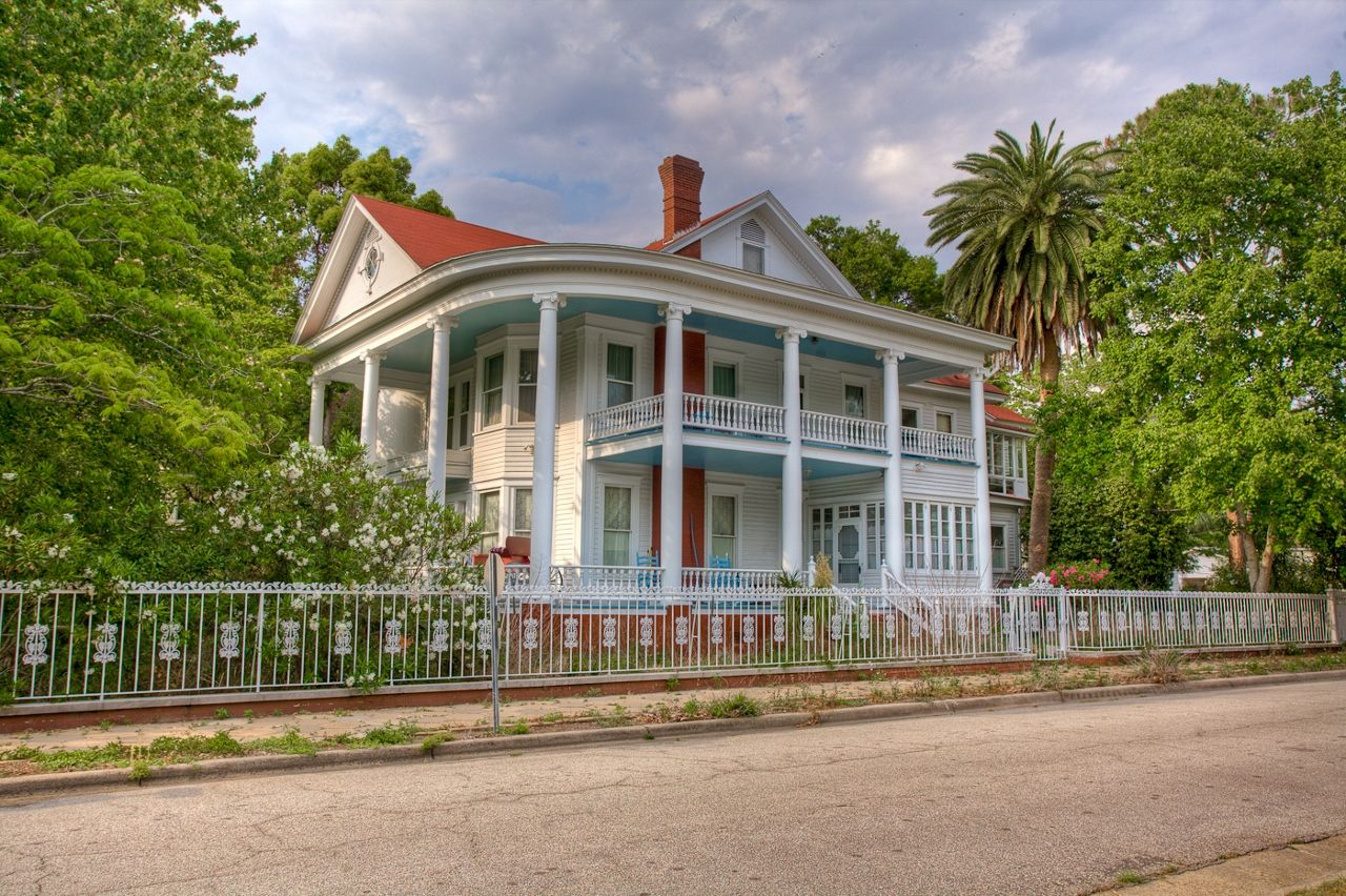 In Historic Brunswick, you'll find centuries-old homes filled with #Southern charm and lots of character