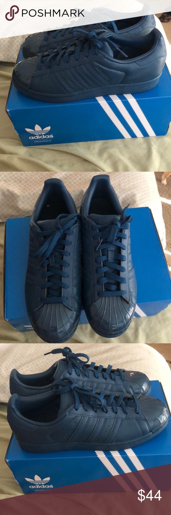 Women's Navy blue Adidas shell toe Worn