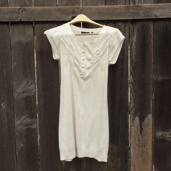 Pretty white sweater dress ❄ Beautiful! White sweater dress. I ...