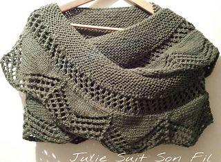 Un nouveau petit châle tricoté en Holst Garn Coast