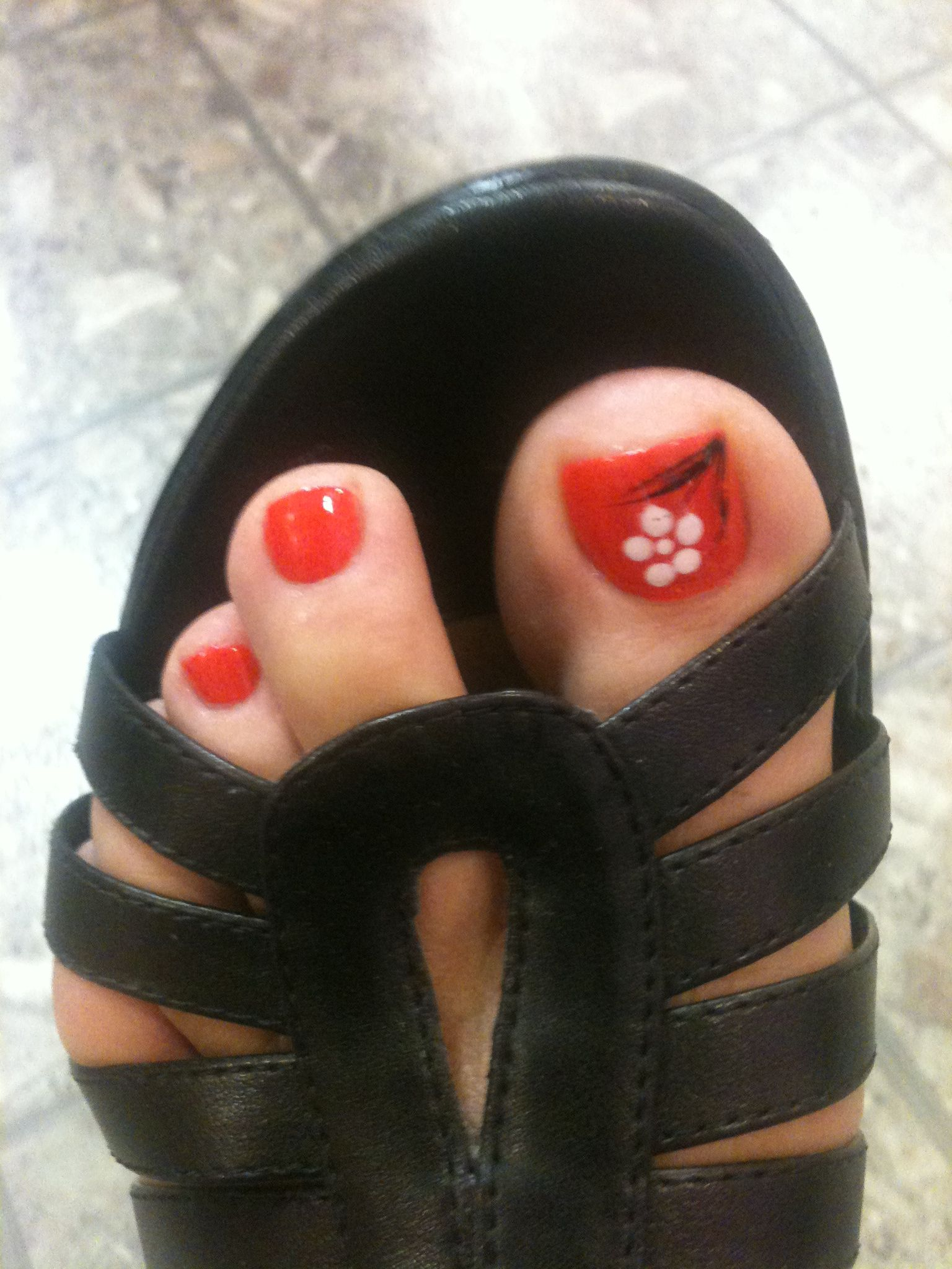 Toe nail design in a different color | Cute Stuff!! | Pinterest
