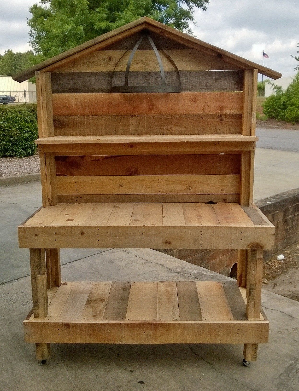 An upcycled garden work bench that I