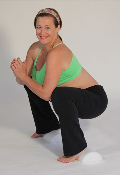 Katy Bowman doing the squat how to increase pelvic floor strength not doing Kegels.