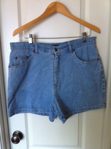 3f0b8d88f Women Bill Blass Jean Shorts Size 14 Stretch 4 Pockets Cotton Spandex Blend