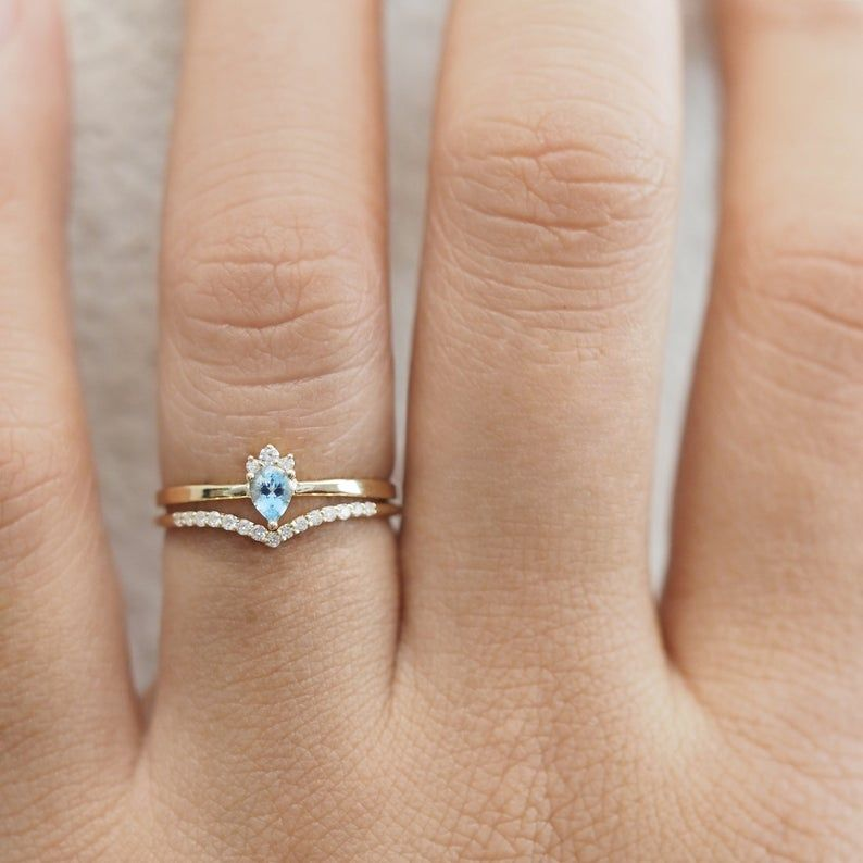 Aquamarine engagement ring set, pear shape engagement set, unique engagement ring set, ocean ring, 14k gold, 18k gold #aquamarineengagementring