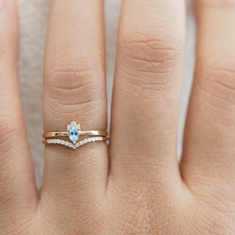 Aquamarine engagement ring set, pear shape engagement set, unique engagement ring set, ocean ring, 14k gold, 18k gold #aquamarineengagementring