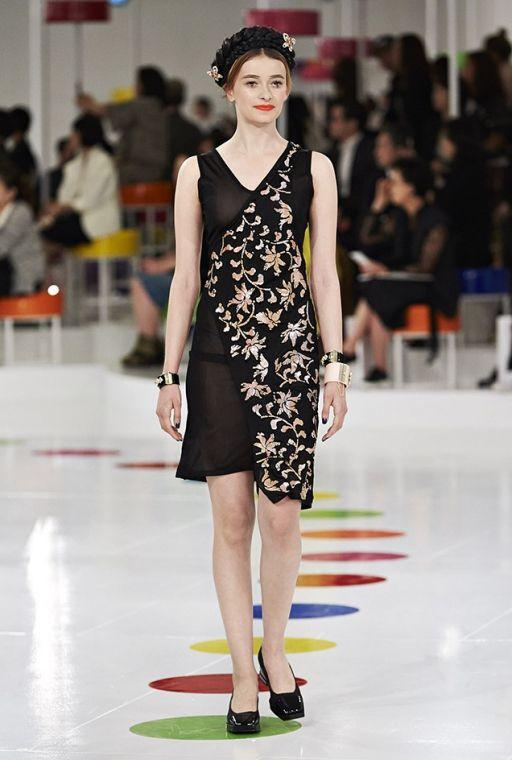 Обзор Buro 24/7: показ Chanel Métiers d'Art в Сеуле, Buro 24/7