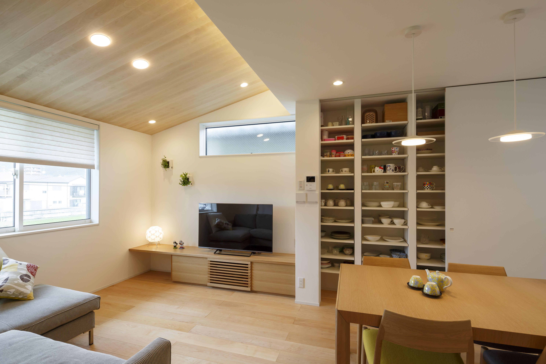 勾配天井で広がる 明るい2階リビングの家 京都で注文住宅を建てる