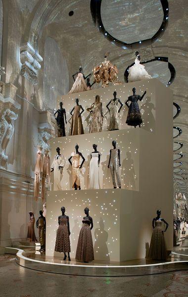 839b3ac3f1c Le musée des Arts décoratifs célèbre les 70 ans de Dior