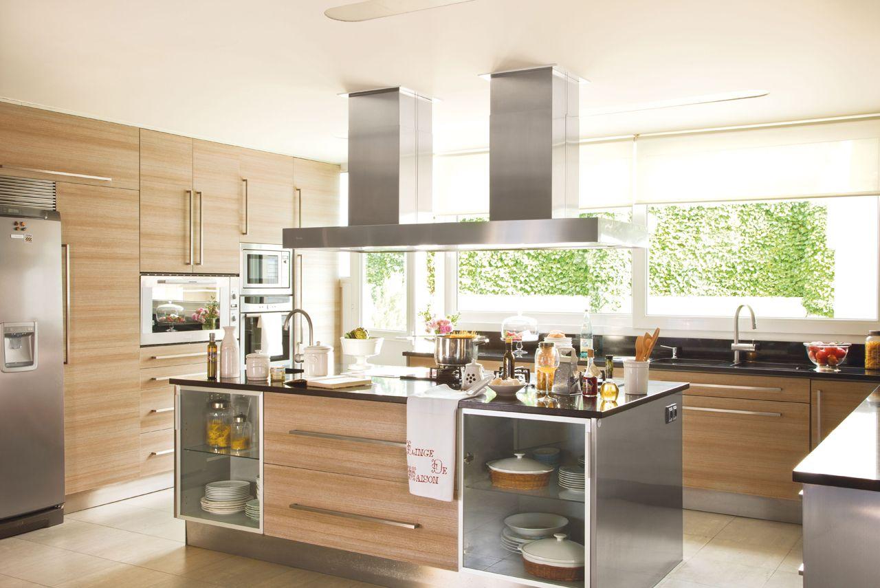 Concreto y madera en la cocina cocina con isla central for Cocina integral con isla central