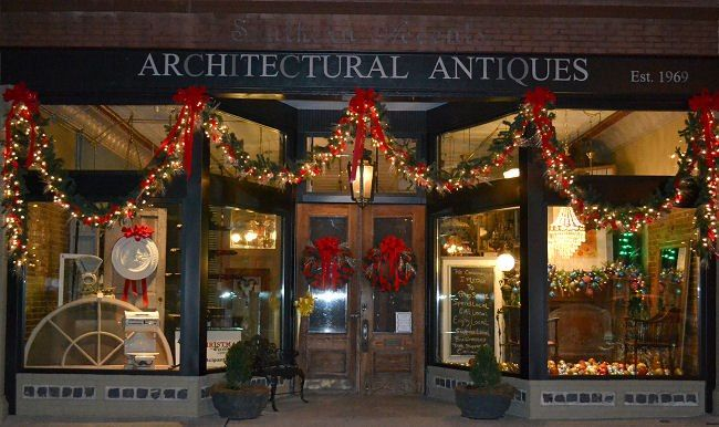 Southern Accents In Cullman Alabama Christmas In The South My Hometown Alabama Christmas Christmas Decorations Sweet Home Alabama