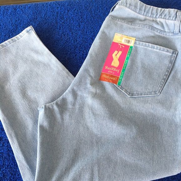 Capri Jeggings PRICE IS FIRM!! Jeggings are like leggings and jeans combined 51% Polyester, 42% Cotton, 7% Spandex. Knit color. Pull-on style. Belt loops. 2 faux pockets. Goes great with any top or shoes! Capri Length. I'VE LOWERED MY PRICES. PLEASE DO NOT ASK FOR ADDITIONAL DISCOUNT! Pants Capris