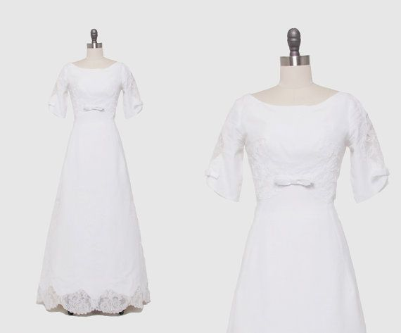 Vintage 1960s White Linen Wedding Dress  par RevivalVintageBoutiq