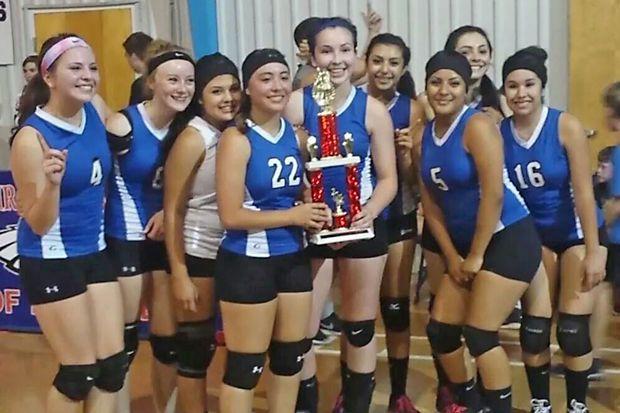Questa Volleyball Wins Evangel Christian Tournament Sport Event Tournaments Volleyball