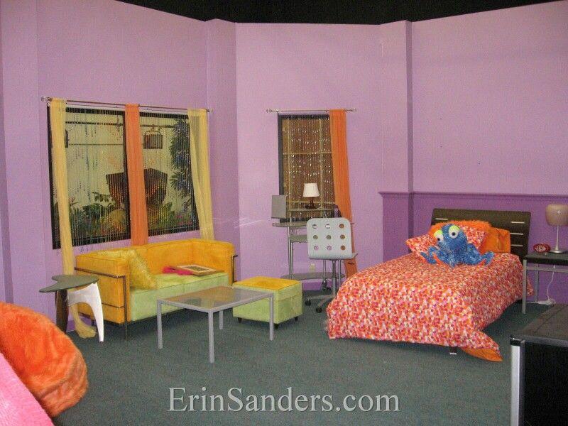 Zoey 101 dorm room | Hannah things | Zoey 101, Dorm room ...