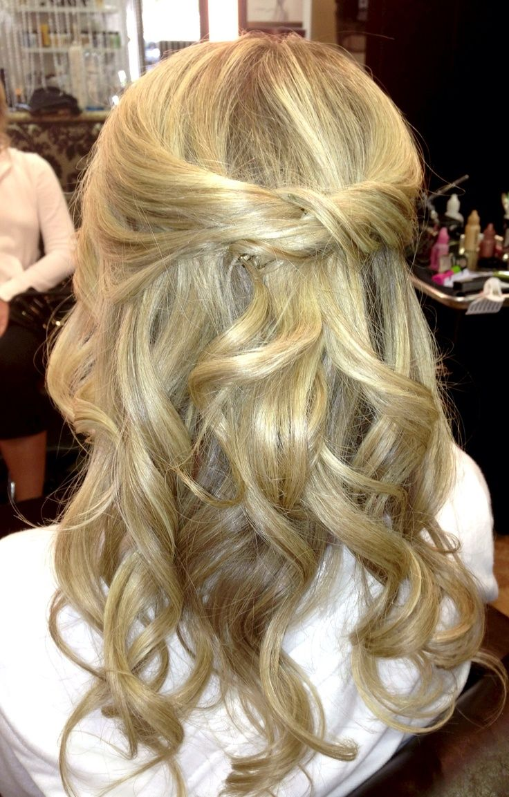 half up half down loose curls www.veilofgrace   bridal hair