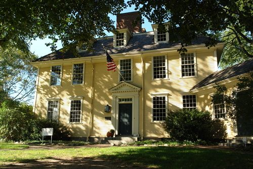 Buckman Tavern In Lexington Ma 1709 New England Homes Colonial Style Homes Colonial House