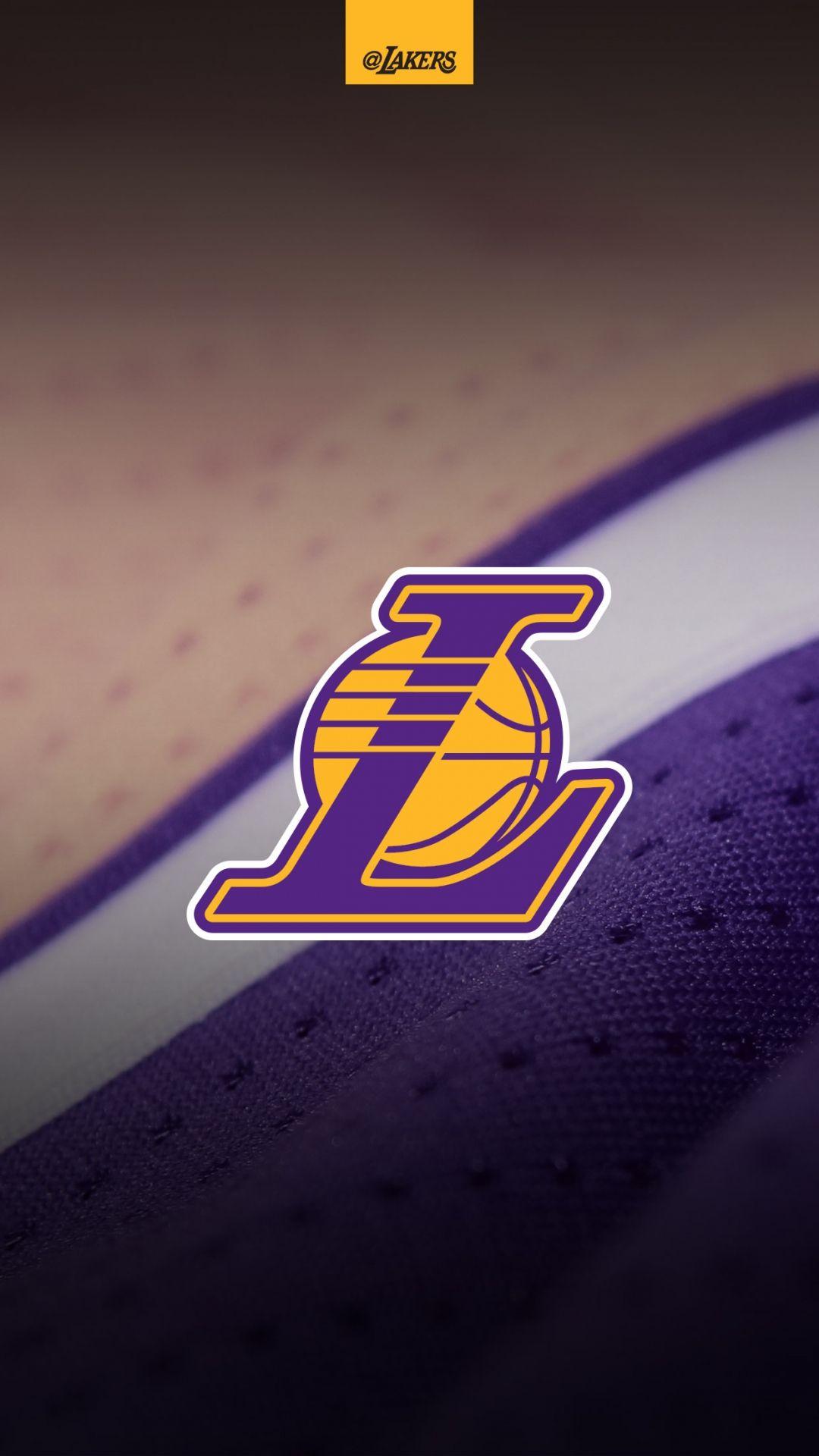 Black Mamba Kobe Bryant Photo Lakers Wallpaper Basketball Iphone Wallpaper Lakers Logo