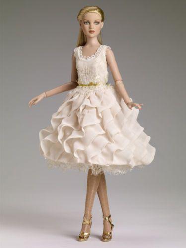 Tonner-Soft-Elegance-Cami-doll-NRFB-limited-edition-of-300